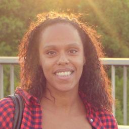 Kimberly Blaschek unterstützt als Assistent of Management bei blaredigitalbusiness.com Unternehmen bei der Umsetzung von digitalem Büroservice