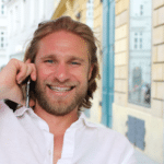 Rene Blaschek ist Geschäftsführer von blaredigitalbusiness.com und bietet seinen Kunden digitalen Büroservice als Unternehmenslösung an